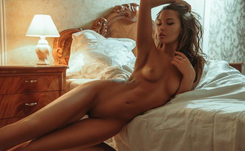 60 Hot Nude Women With Gaps NSFW Photos